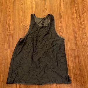 Lululemon open back tank top shirt size 10 large